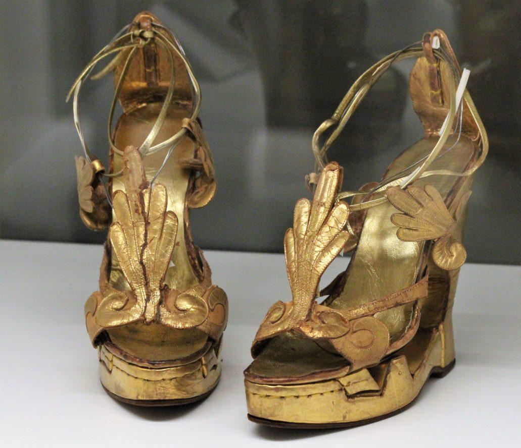 Vittorio Nino Novarese, projekt butów dla Liz Taylor do filmu Kleopatra z 1963 r. Fot. Jerzy S. Majewski