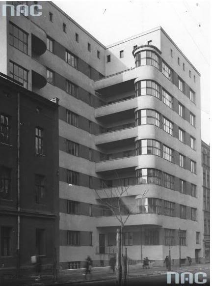 01-katowice-dom-mieszkalny-dyrekcji-okregowej-pkp-przy-ul-slowackiego-41-projekt-tadeusz-michejda-1930-r-fot-ze-zbioru-narodowego-archiwum-cyfrowego