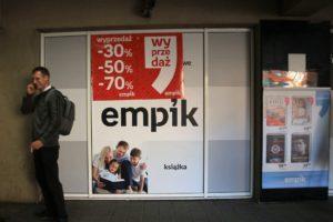 02-gdansk-witryna-empiku-w-przejsciu-podziemnym-przy-city-forum-fot-jerzy-s-majwski