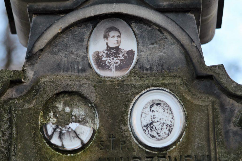 Warszawa. Cmentarz Bródnowski, Rodzina Anuszewskich. Fot. Jerzy S. Majewski