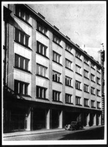 Warszawa. Kredytowa 6, kamienica Józefa Glassa. 1936-1939. Projekt Gelbard i Sigalinowie