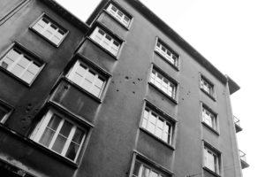 05-krakow-kamiencia-przy-krzywej-12-elewacja-od-strony-ulicy-krzywej-w-2013-r-fot-jsm