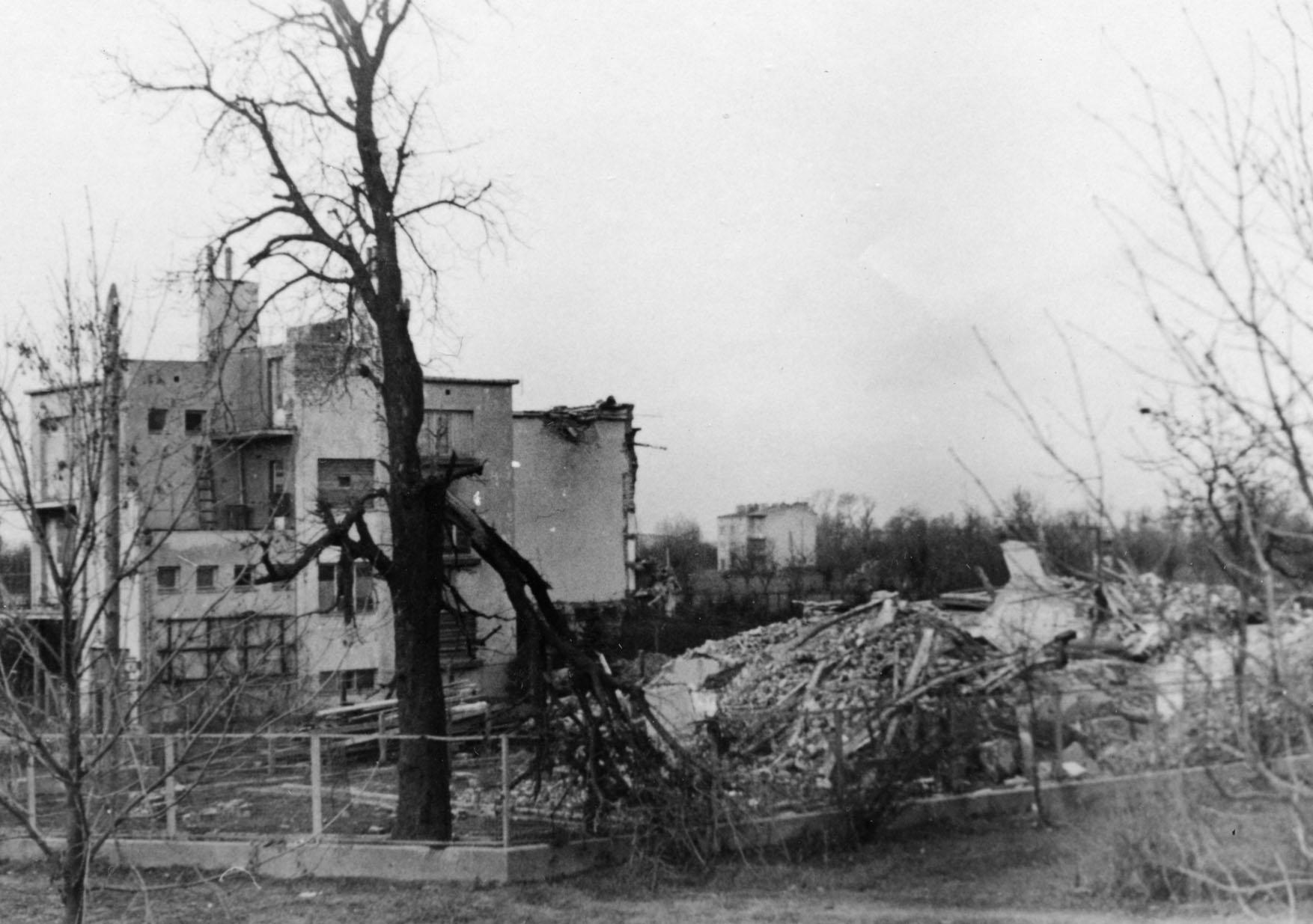 06-warszawa-willa-szyllerow-przy-wale-miedzeszynskim-pozna-jesienia-1939-r-fot-ze-zbioru-mpw