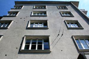 07-krakow-kamiencia-przy-krzywej-12-elewacja-od-strony-ulicy-krzywej-w-2016-r