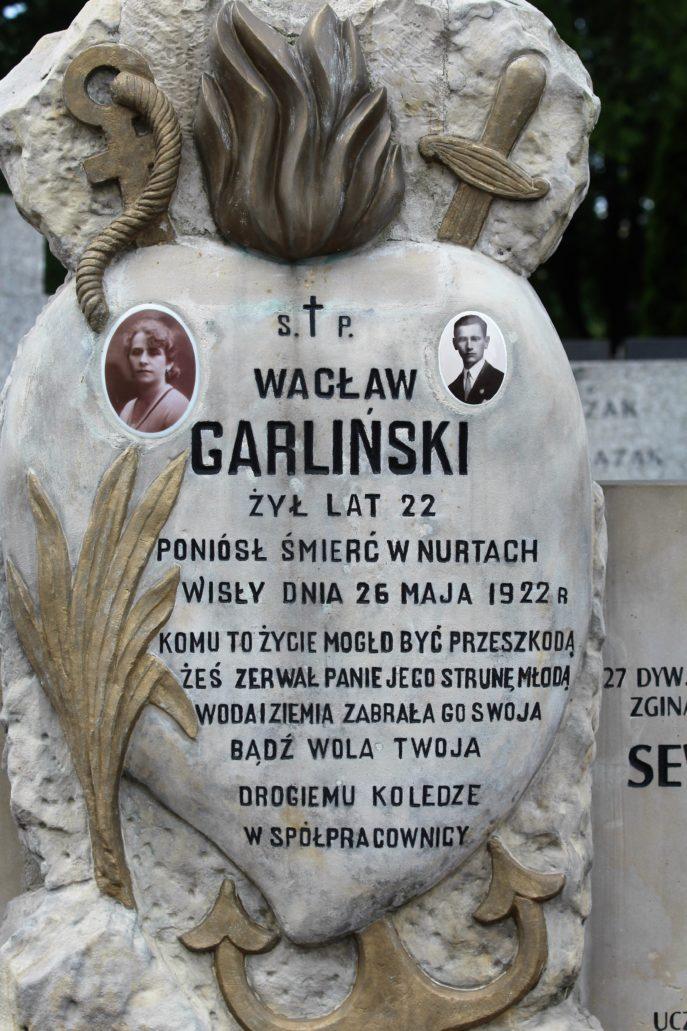 Warszawa. Cmentarz Bródnowski. 1922 r. Wacław Garliński. Ofiara utonięcia w Wiśle. Fot. Jerzy S. Majewski
