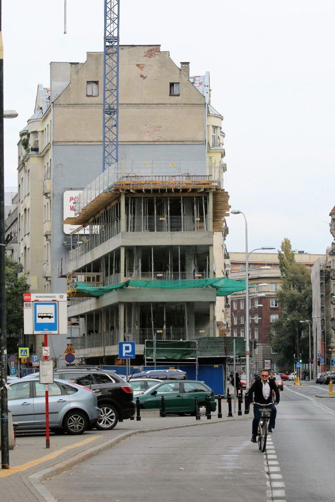 Warszawa. Biurowiec przy ul. Pięknej 49 w trakcie budowy w październiku 2016 r. Fot. Jerzy S. Majewski