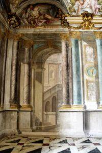 11-fragment-iluzjonistycznej-dekoracji-malrskiej-w-palazzo-rosso-fot-jsm