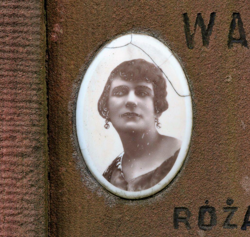 Warszawa. Cmentarz Bródnowski. 1934 r. Wacława z Rajchertów Stefanowa Przymanowska. Fot. Jerzy S. Majewski