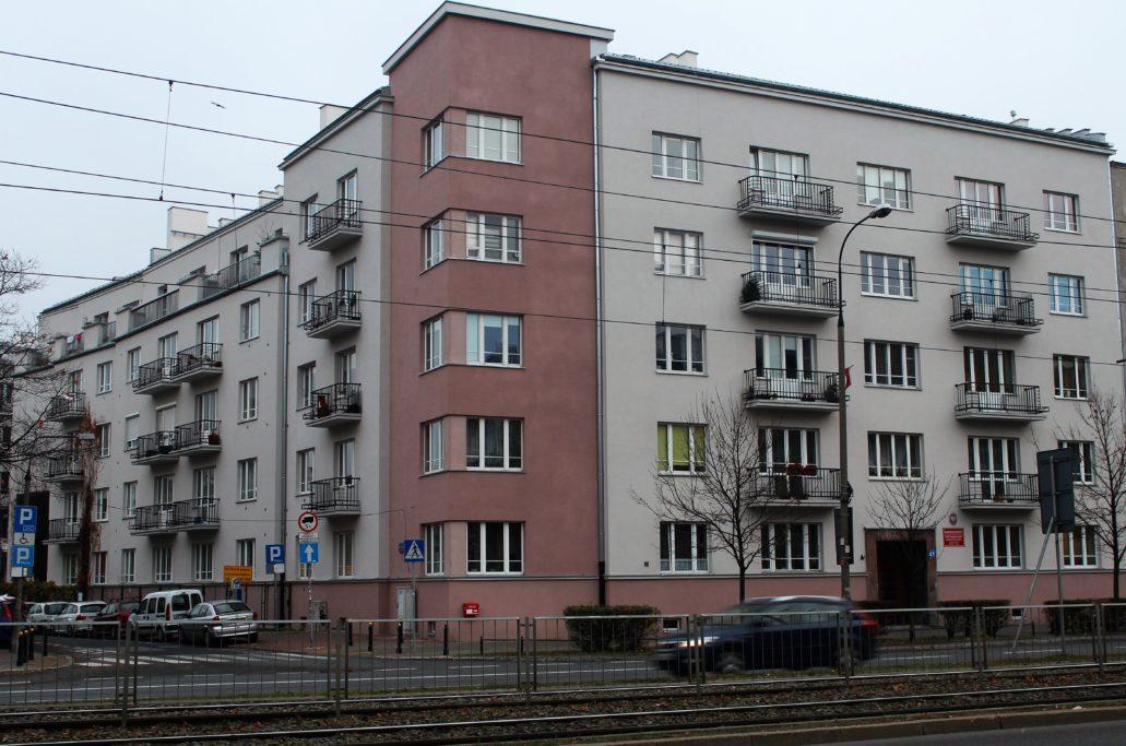 14-warszawa-grojecka-41-dom-spoldzielni-skarbowiec-projektu-boleslawa-leszczynskiego-z-lat-1930-32-fot-jerzy-s-majewski
