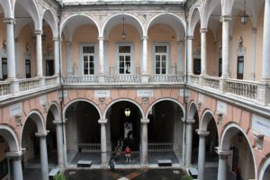 19-genua-dawna-strada-nuova-dziedziniec-palazzo-tursi-fot-jsm