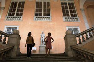 20-genua-klatka-schodoa-na-dziedzincu-palazzo-tursi