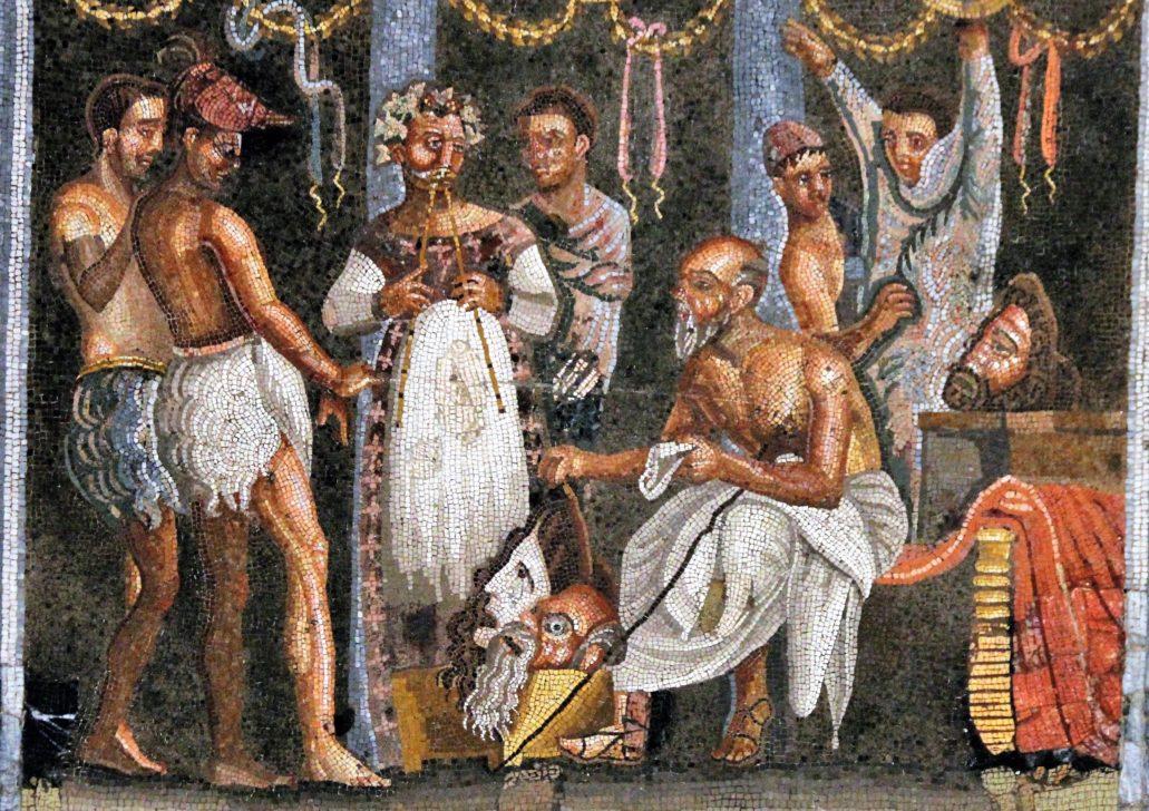 Neapol. Narodowe Muzeum Archeologiczne. Mozaika. Bohaterowie tej ilustracji albo są boso, albo mają na sobie sandały. Aktorzy nosili tez pantofle socci.Fot. Jerzy S. Majewski