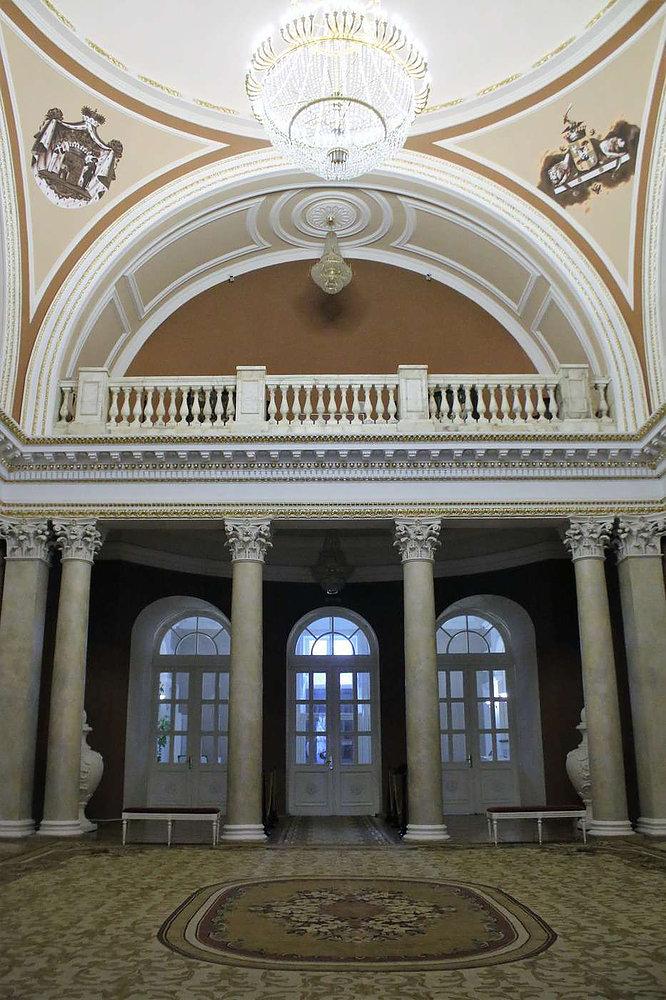 Pałac w Homlu. Wnętrze klasycystycznej Sali Kolumnowej z czasów Rumiancewa. Fot. Jerzy S. Majewski