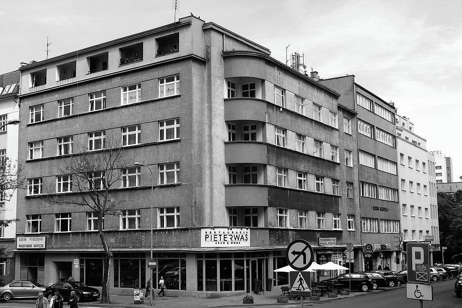 Gdynia. Kamienica Gliszczyńskiego przy ul. Abrahama 41. Projekt Władysława Madeły. 1937-1938. Fot. Jerzy S. Majewski