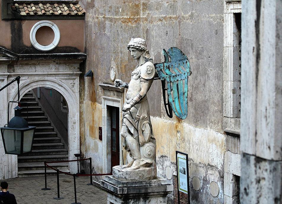 Zamek św. Anioła. Cortigle dell'Angelo. Renesansowa figura Anioła autorstwa Rafaello da Montelupo. Fot. Jerzy S. Majewski