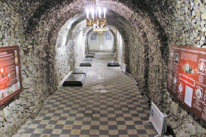 Homel. Pod mauzoleum znajduje się obszerna krypta grobowa Paskiewiczów. Tutaj pochowany jest Iwan Paskiewicz. Fot. Jerzy S. Majewski