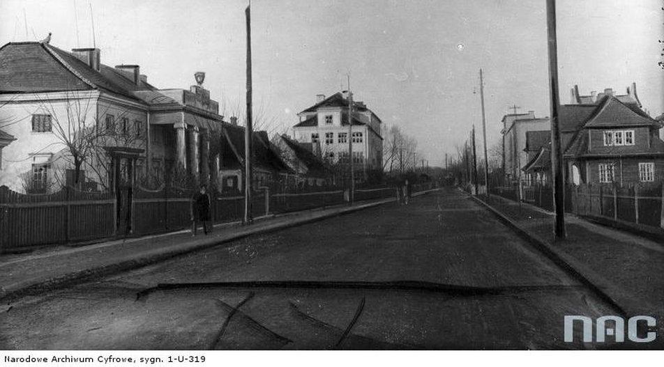Brześć nad Bugiem. Ulica Pułaskiego i Kolonia Urzędnicza w 1928 r. Zbiory Narodowego Archiwum Cyfrowego