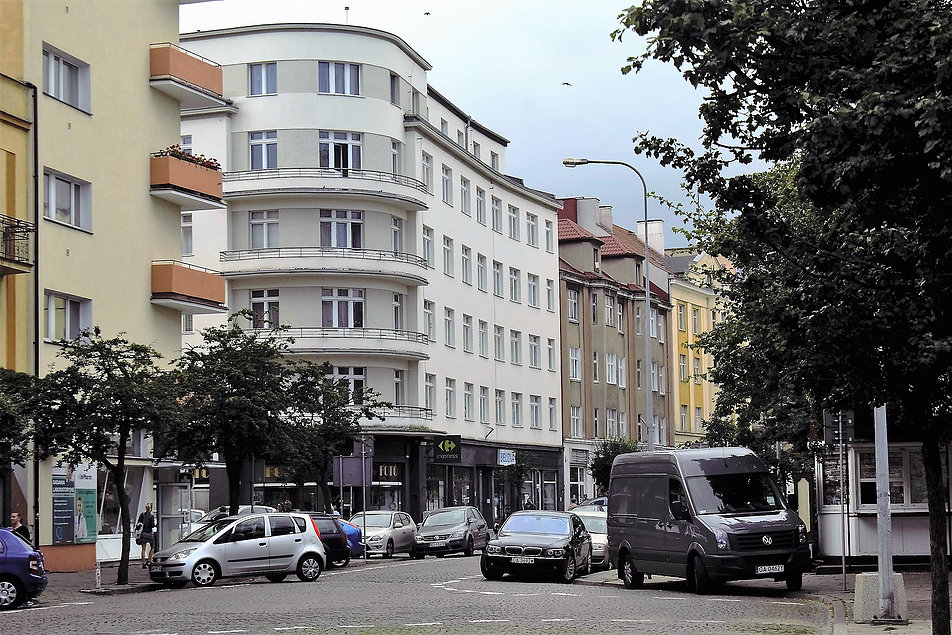 Gdynia, ul. Starowiejska 7. Kamienica Hundsdorffów. Widok w perspektywie ulicy Starowiejskiej. Fot. Jerzy S. Majewski