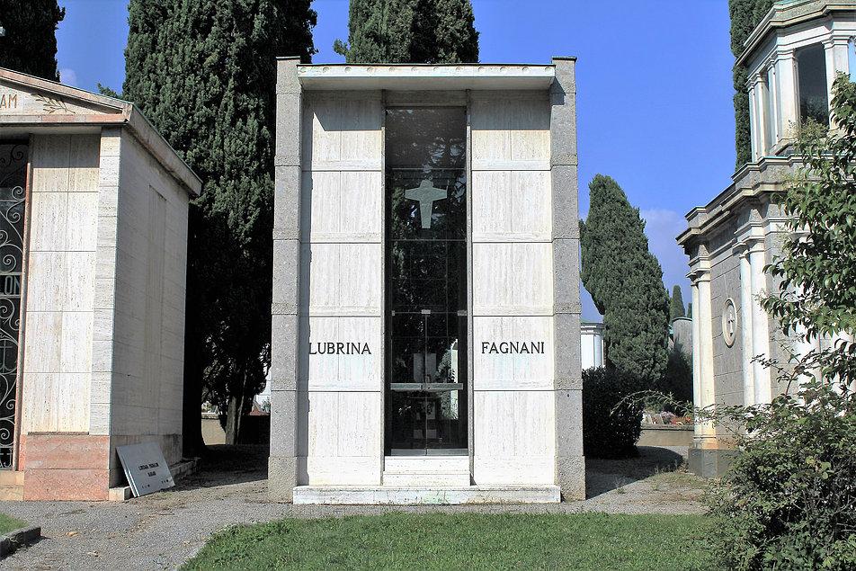 Bergamo, Cimitero Monumentale. Jedna ze współczesnych kaplic. Fot. Jerzy. S. Majewski