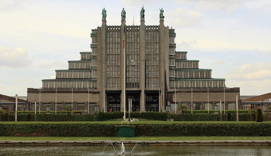 Bruksela. Pałac Wystawowy z 1935 r. Projekt J. Van Neck, L. Baes. Fot. Jerzy S. Majewski