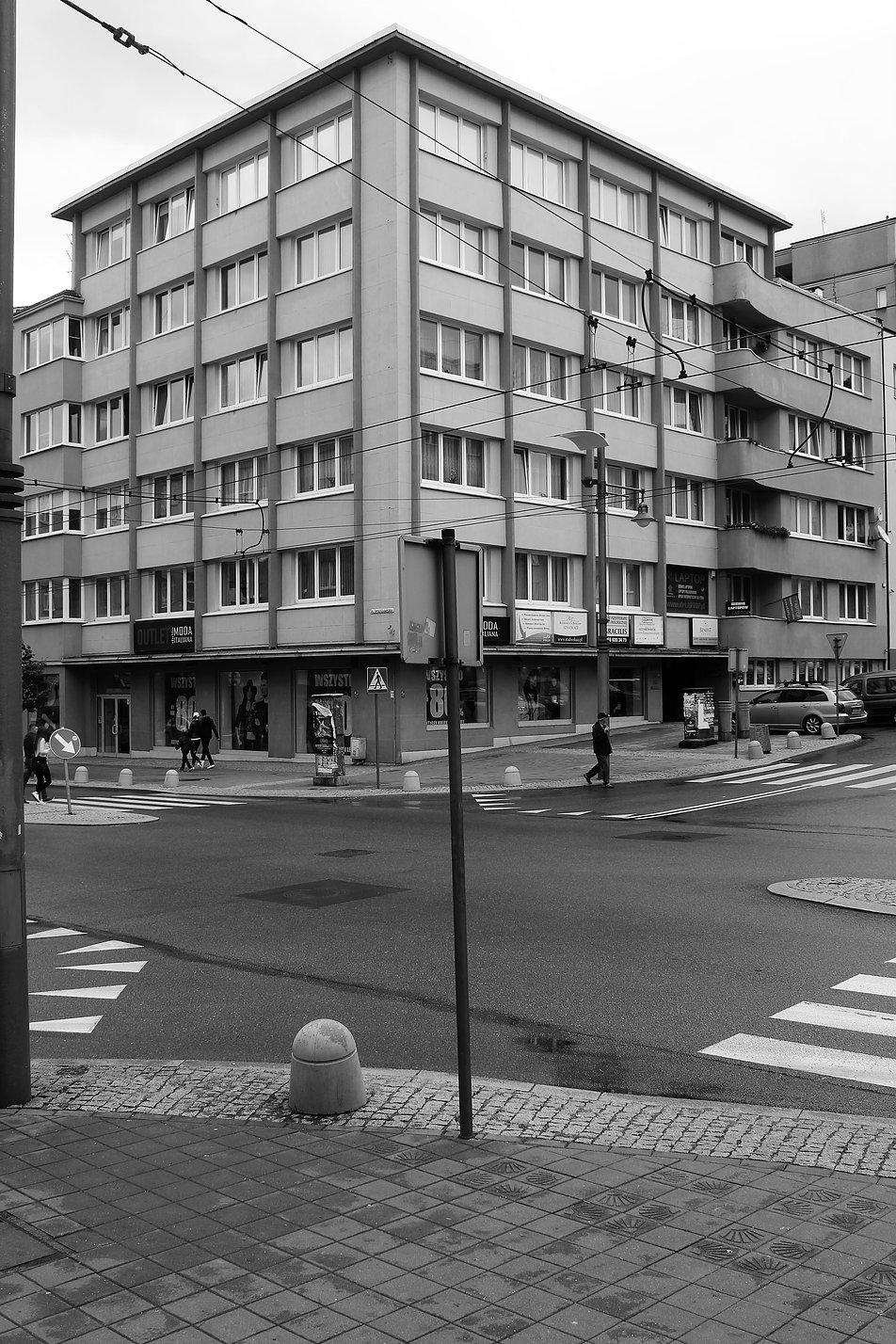 Gdynia. Kamienica Krenskiego. Świętojańska 55. Projekt Zbigniew Kupiec, Tadeusz Kossak. 1938. Fot. Jerzy S. Majewski