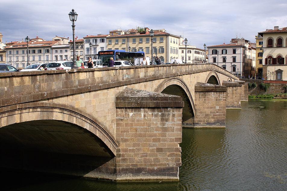 Florencja. Ponte S. Trinitá. Fot. Jerzy S. Majewski