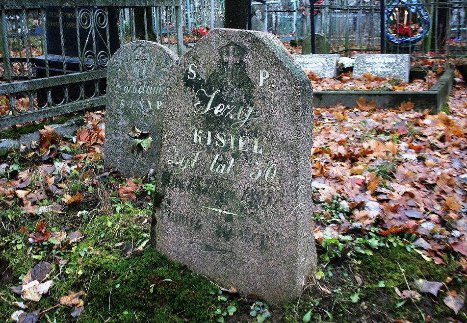 Mińsk Białoruski. Kamień nad grobem Jerzego Kisiela. Fot. Jerzy S. Majewski