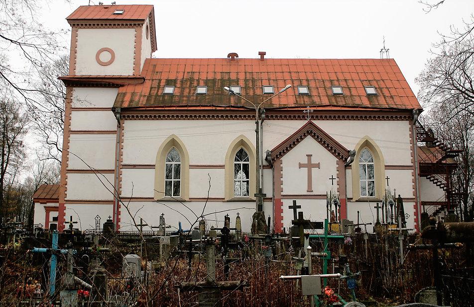 Mińsk Białoruski. Cmentarz na Kalwarii. Kościół Podwyższenia Krzyża. Fot. Jerzy S. Majewski