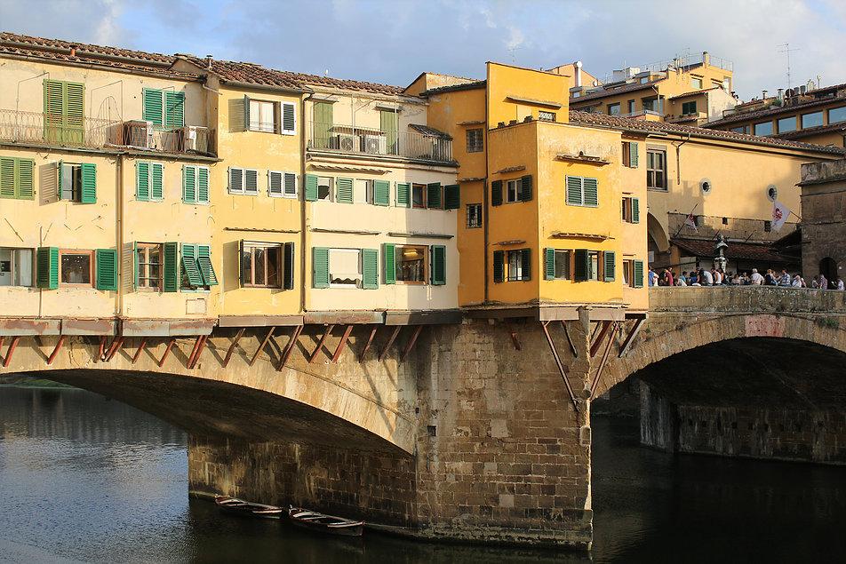 Florencja. Fragment Ponte Vecchio wzniesionego w 1345 r. Fot. Jerzy S. Majewski