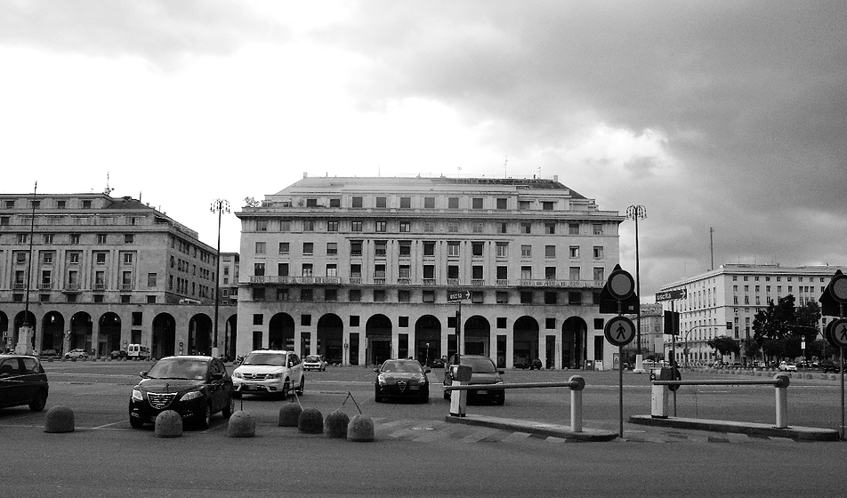 Genua. Piazza della victoria. Fot. Jerzy S. Majewski