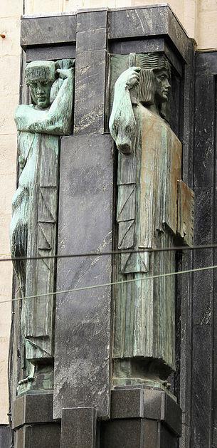 Antwerpia. Torengebouwen. Hermy w stylistyce art deco. Fot. Jerzy S. Majewski
