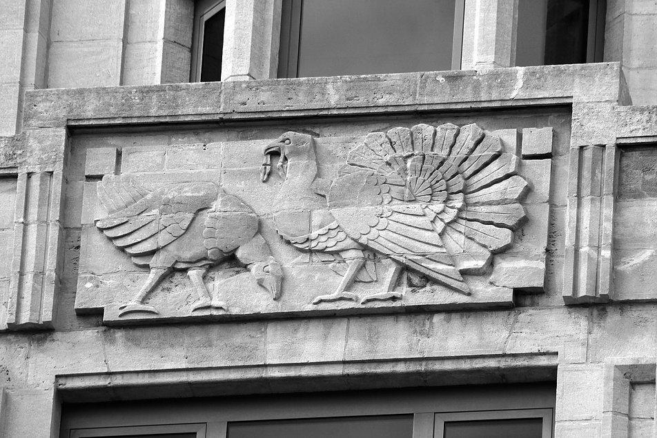 Antwerpia. Torengebouwen. Płaskorzeźba z motywem indyków. Fot. Jerzy S. Majewski