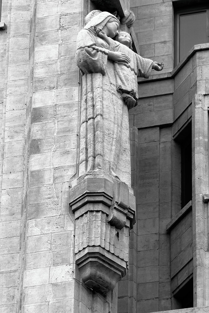Antwerpia. Torengebouwen. Figura Matki Boskiej. Fot. Jerzy S. Majewski