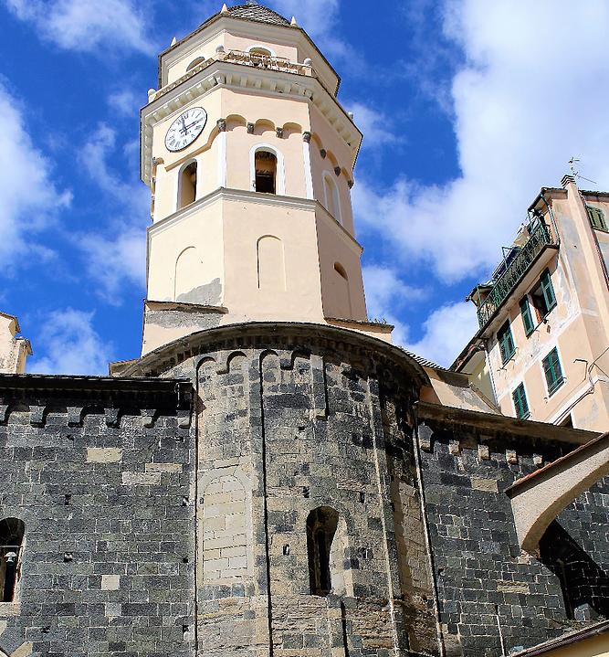 Vernazza. Romańskie prezbiterium kościoła Santa Margherita. Fot. Jerzy S. Majewski
