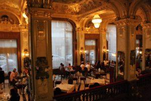 fragment-wnetrza-kawiarni-new-york-fot-jsm