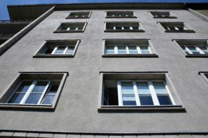 krakow-kamiencia-przy-krzywej-12-fragment-elewacji-od-strony-rynku-kleparskiego-fot-jsm