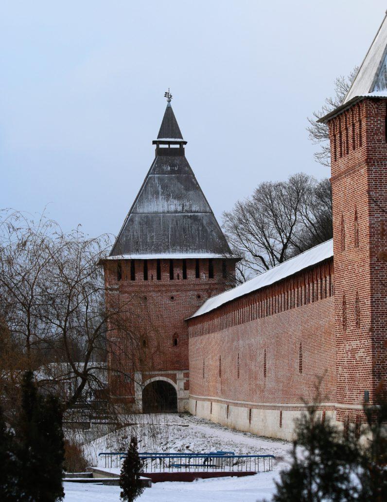 Smoleńsk. Fragment potężnych murów obronnych. Fot. Jerzy S. Majewski