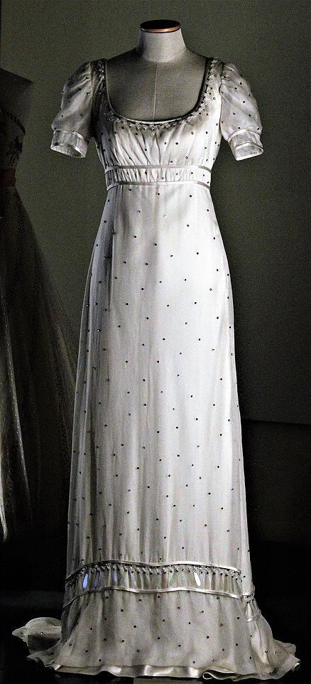 Maria De Matteis. Suknia zimowa uszyta dla Audrey Hepburn do roli Nataszy w filmie Wojna i Pokój. Suknia na wystawie w rzymskim Palazzo Braschi. Fot. Jerzy S. Majewski